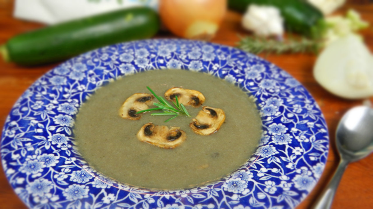 Non-Dairy, Healthy Cream of Mushroom Soup