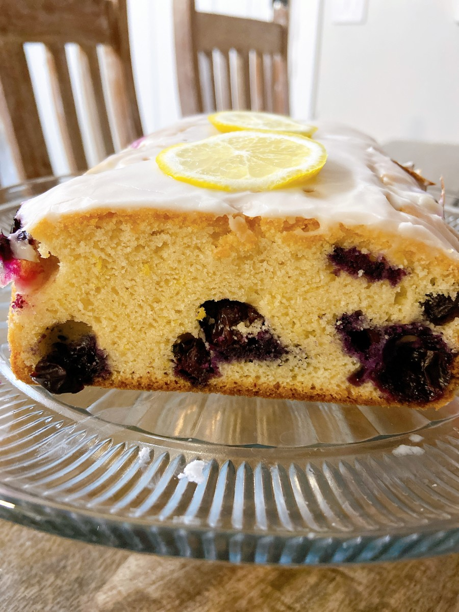 This scrumptious lemon blueberry bread is delightful as a snack or a dessert. The smell of the lemon is really tempting!