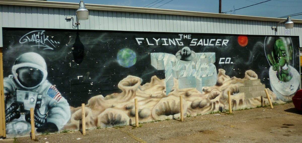 Mural at the Flying Saucer Pie Company
