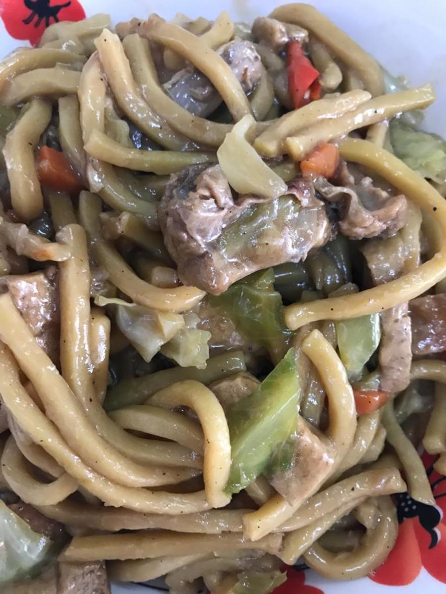 How to Cook Pancit Miki: A Filipino Noodle Dish