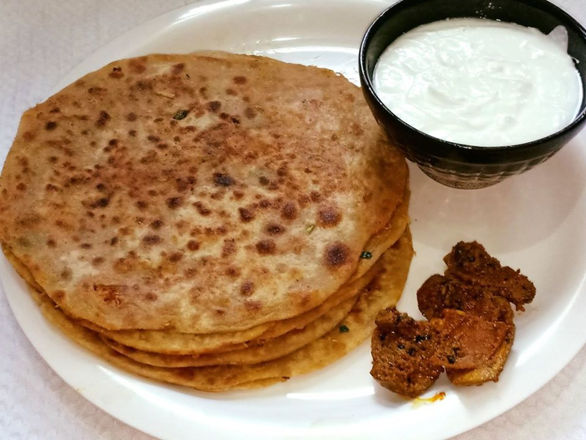 Punjabi mooli paratha (stuffed radish paratha)