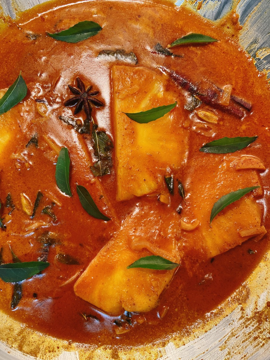 This sweet pineapple curry is delicious!