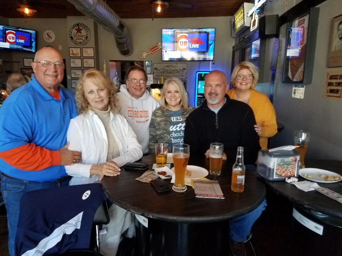 Some of my Tuesday Night Drawing friends at my favorite bar, Bargenta (Argenta, IL)