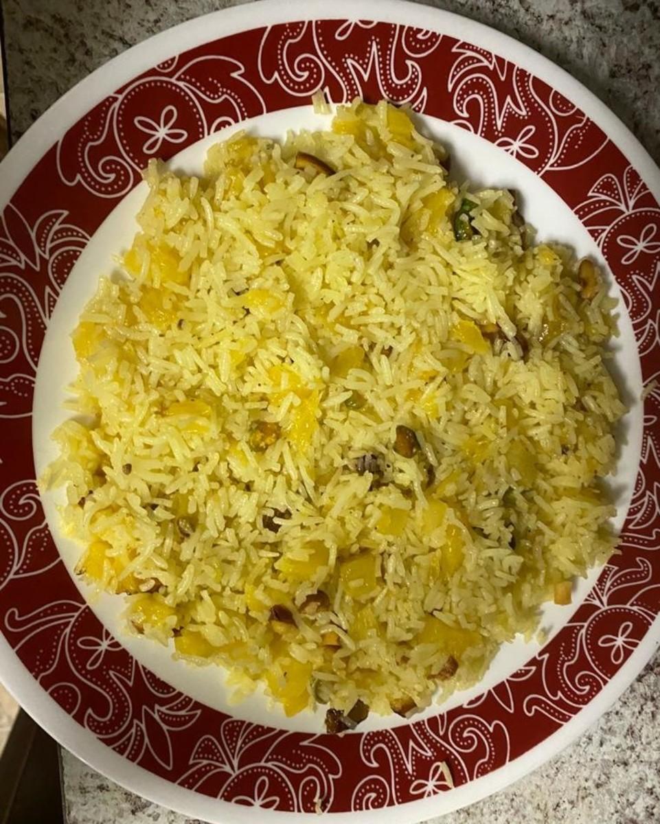 Indian Pineapple Sweet Rice (Ananas Ka Muzaffar)