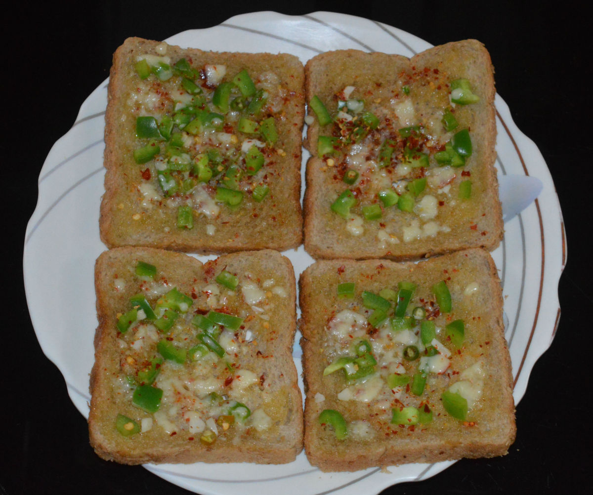 How to Make Capsicum Cheese Toast in 18 Minutes