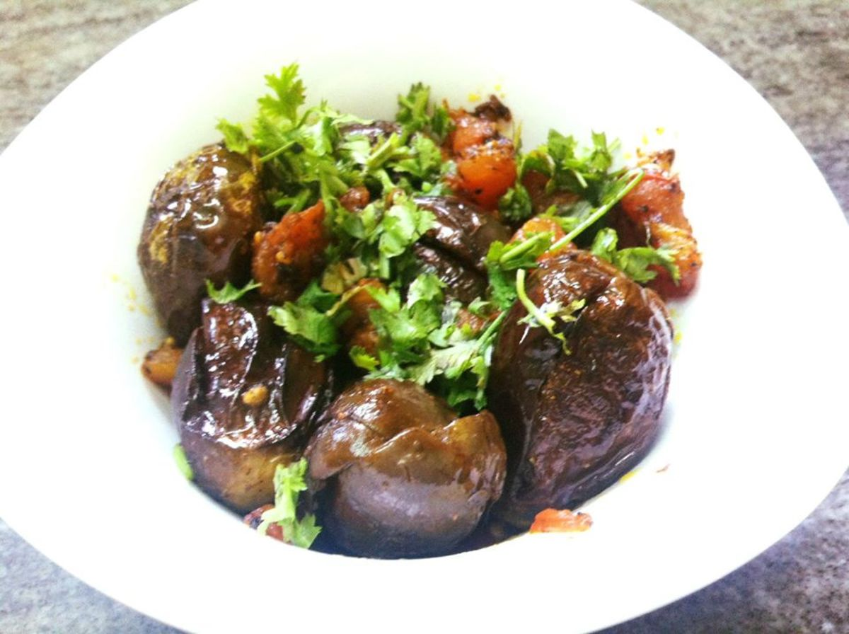 Punjabi Bharwan Baingan (Stuffed Eggplant) Recipe
