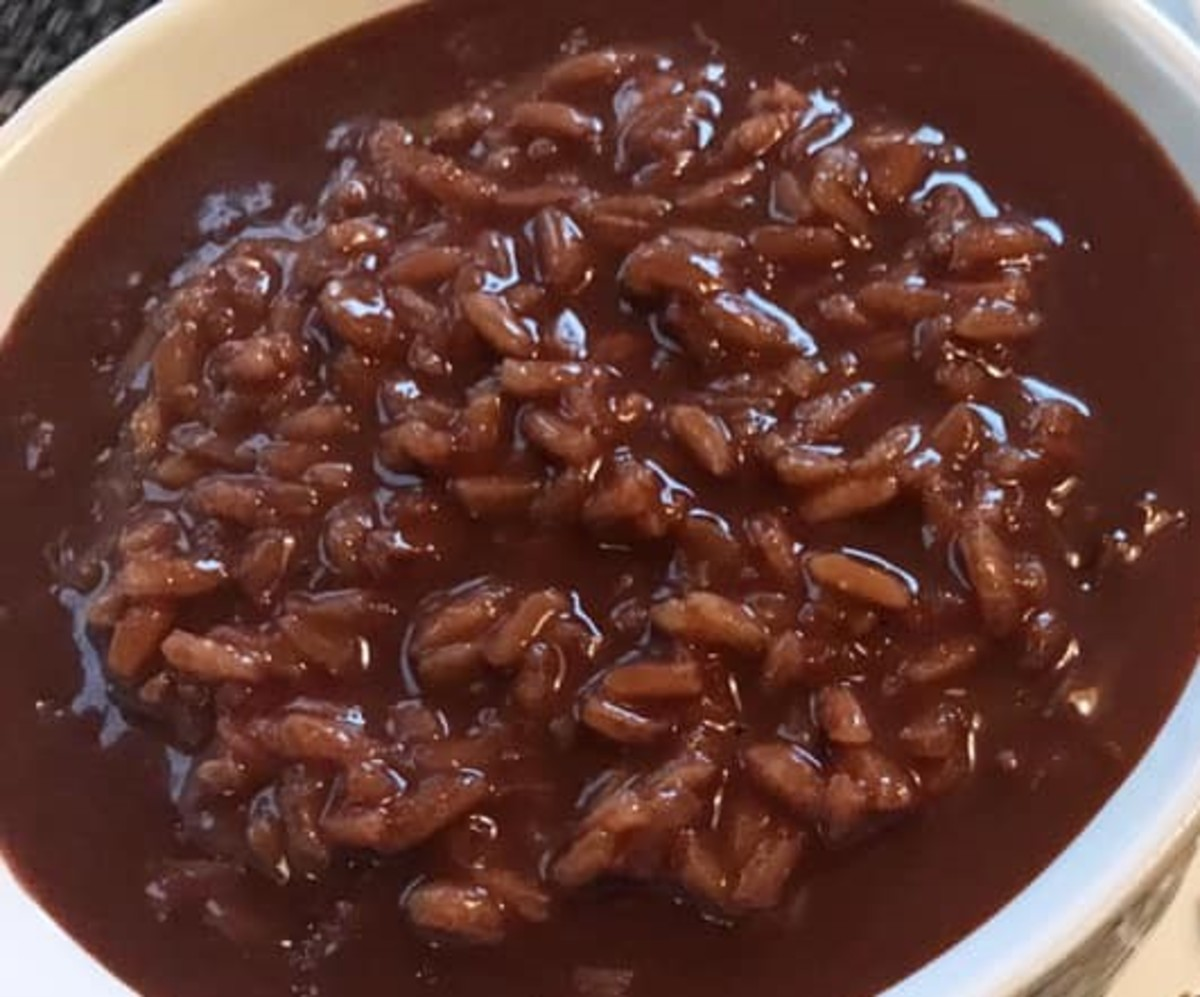 Filipino Chocolate Rice Porridge (Champorado)