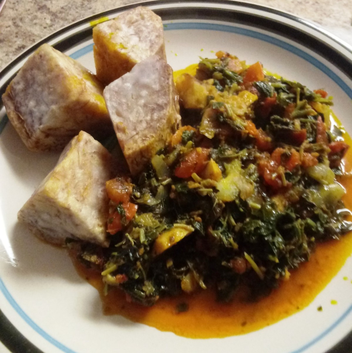 Vegetable medley with taro (yams)