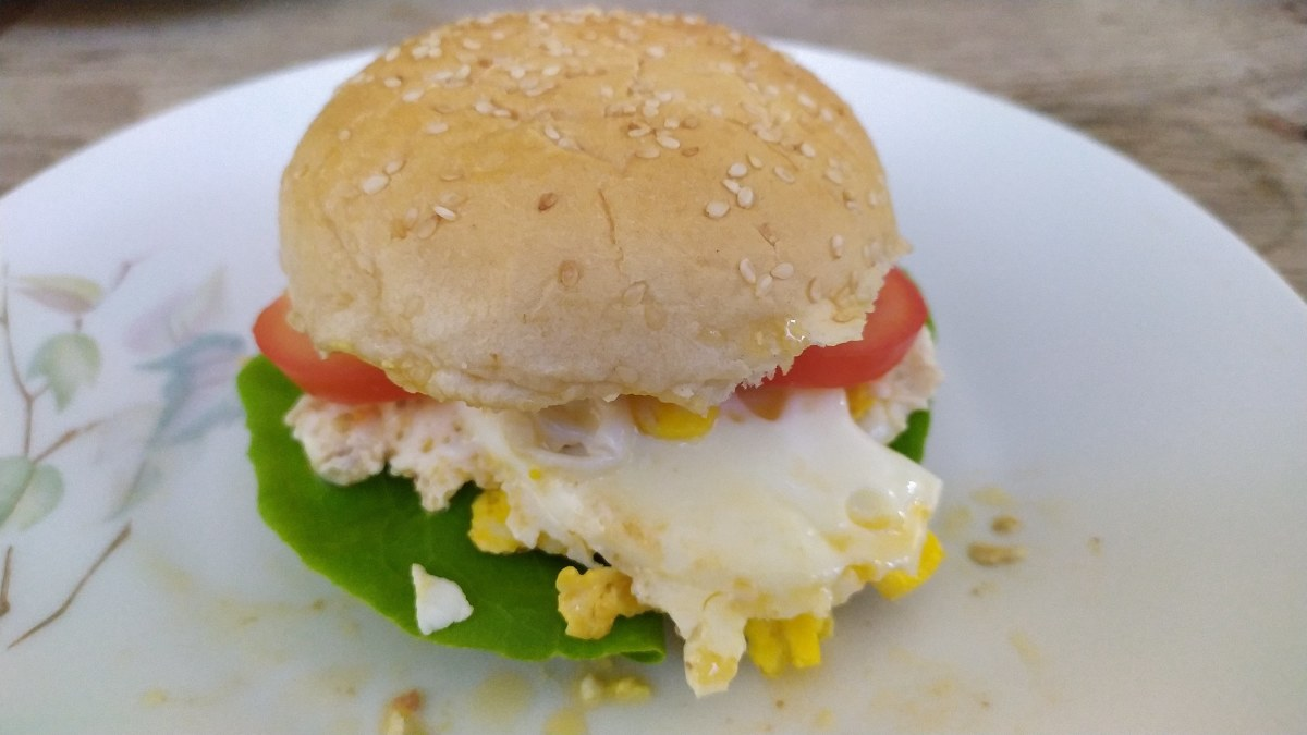 Vegetarian egg burger