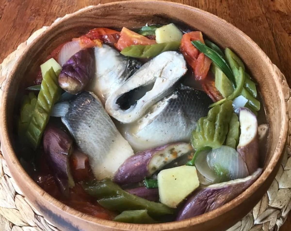 Paksiw na Isda (Filipino Fish Stew in Vinegar)