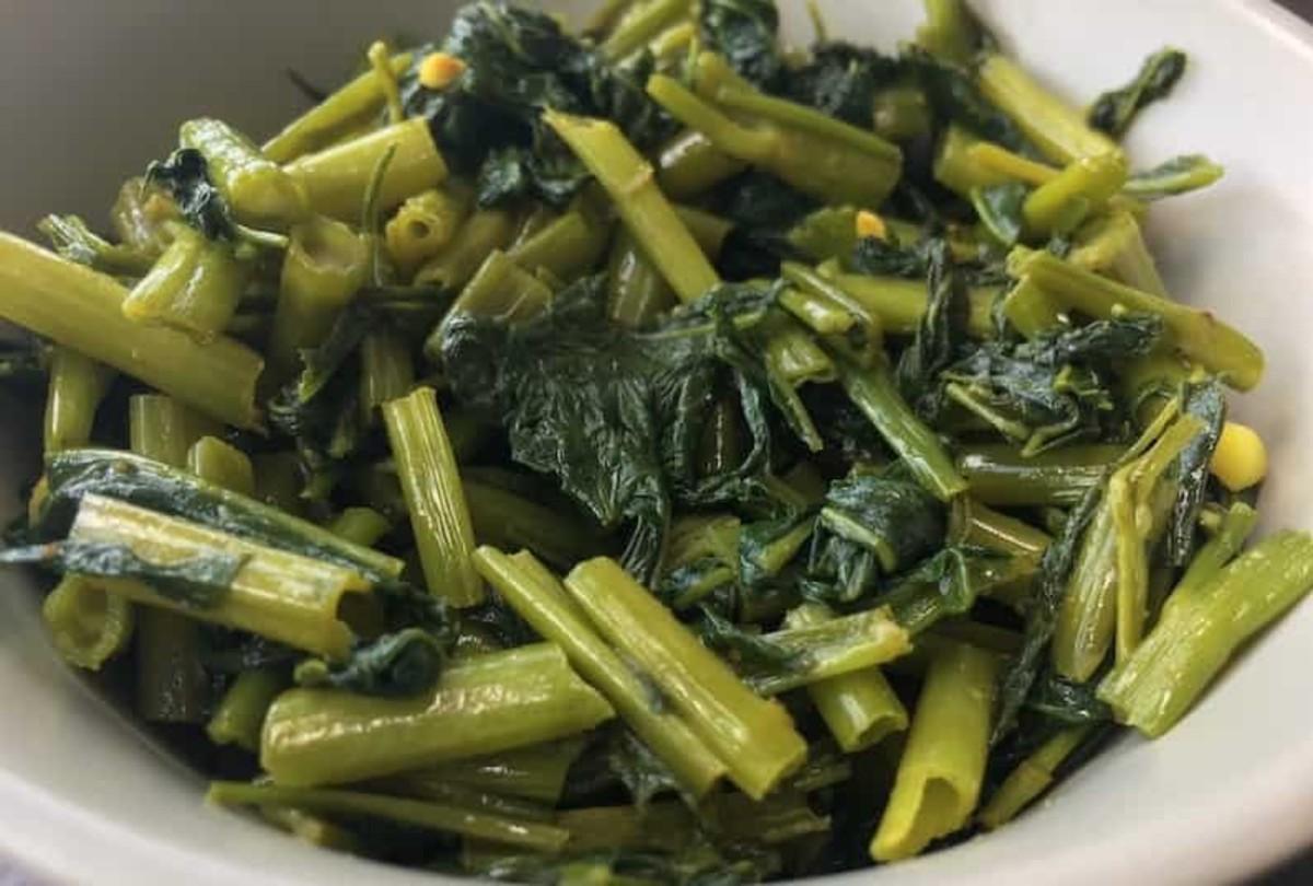 Filipino-Style Blanched Kangkong (Water Spinach) Salad