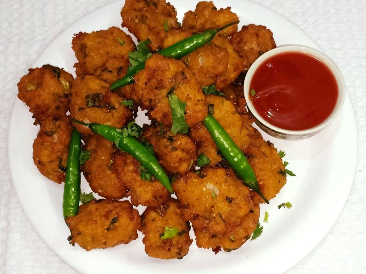 Poha Pakoda Recipe (Flattened Rice Fritters)