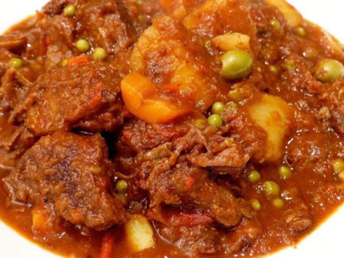 Kalderetang Kambing (Filipino Goat Stew)