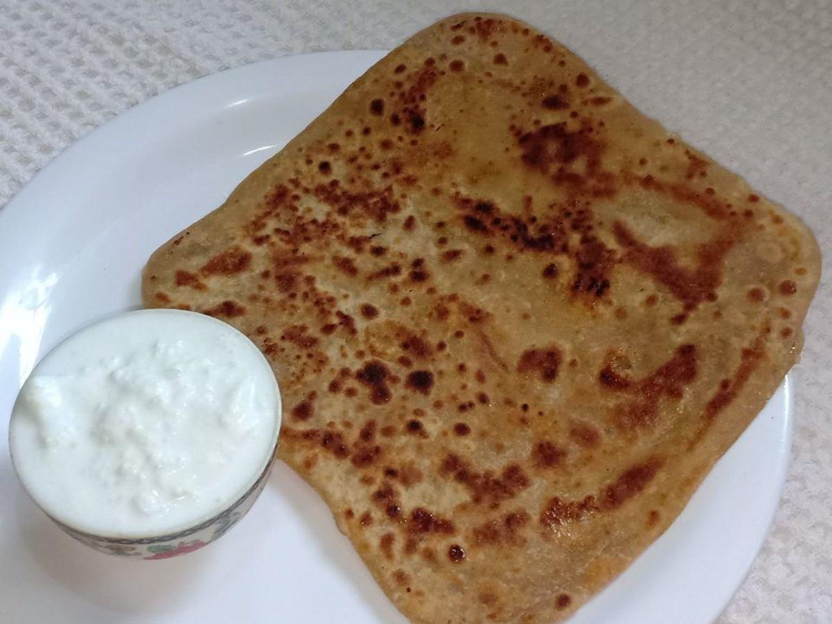 Cheeni ka Paratha (Sugar Stuffed Paratha)
