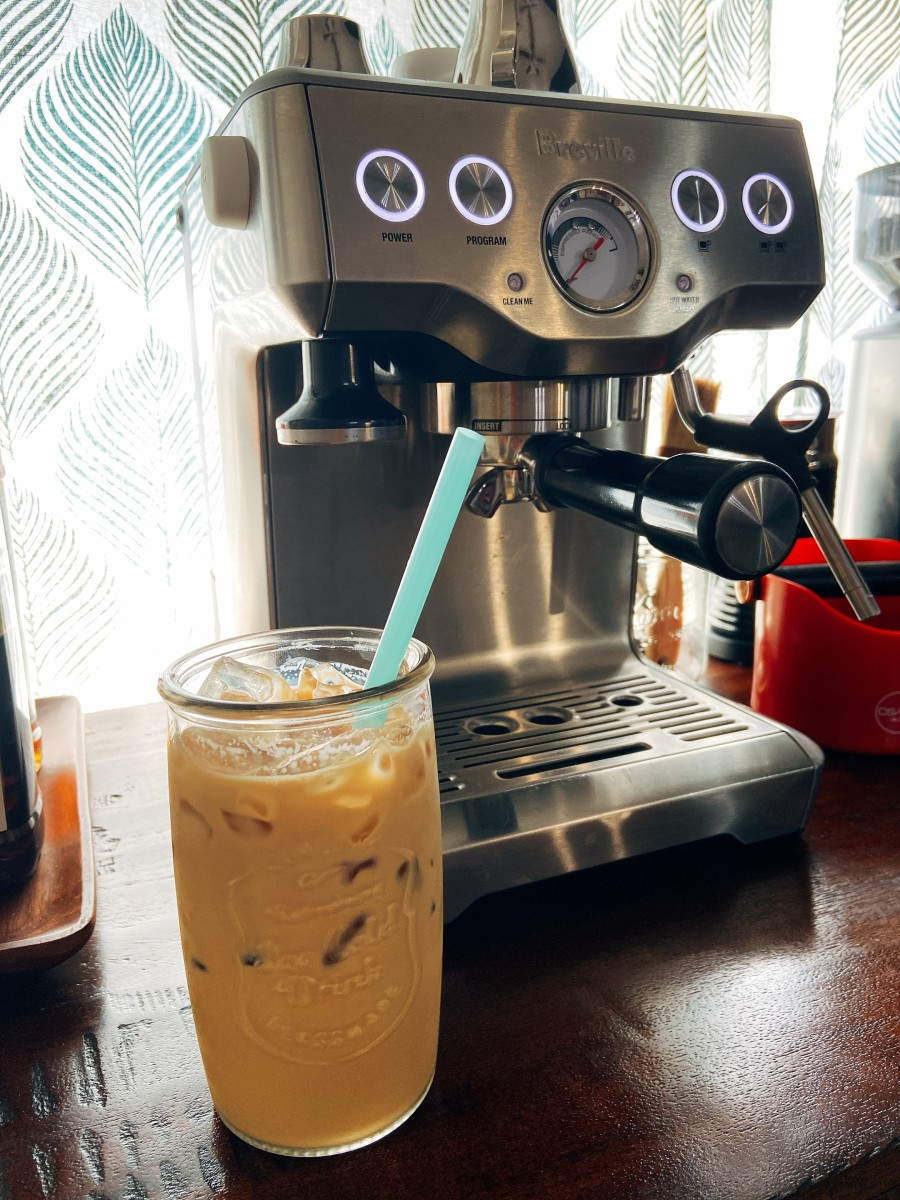 Caramel iced latte