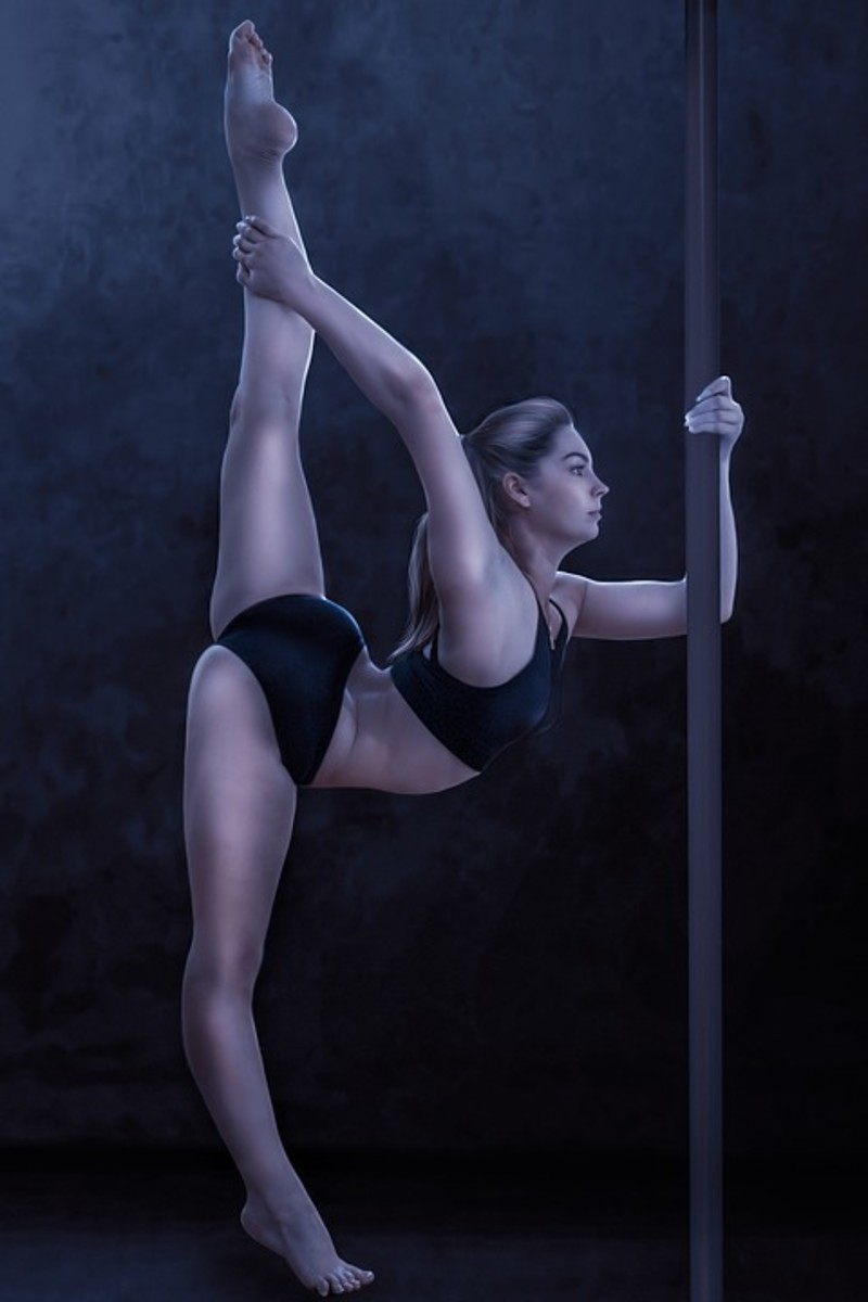 6 Unexpected Benefits of Pole Dance Fitness