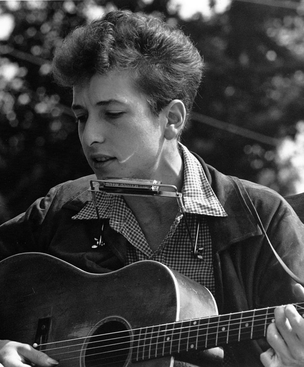 A young Bob Dylan in 1963