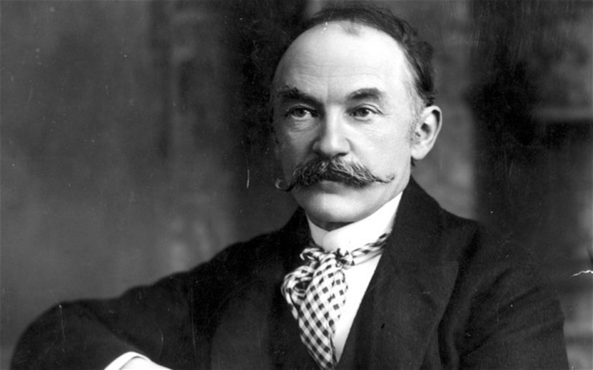 a literary analysis of the darkling thrush by thomas hardy 'the darkling thrush' was written and published by thomas hardy in 1900 about the turn of the century and it regards a speaker reflecting on bleak times, representing hardy's personal feelings about the new century.