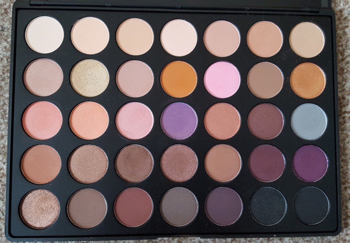 Review of the Morphe 35W Warm Eye Shadow Palette