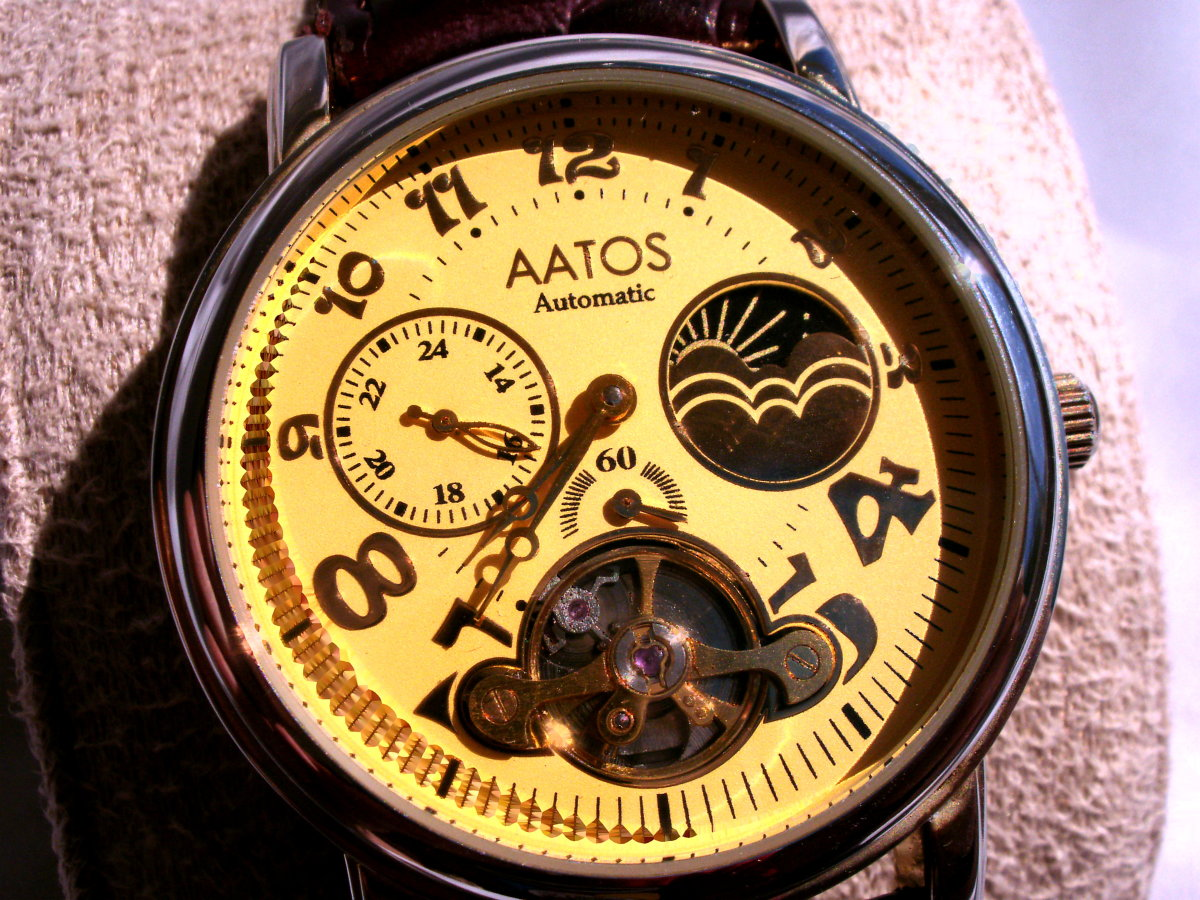 review-of-the-aatos-ladys-automatic-leather-band-wristwatch-g-adelalgg