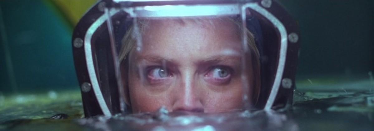 """Terror Down Below: """"Sphere"""" (1998) Movie Review"""