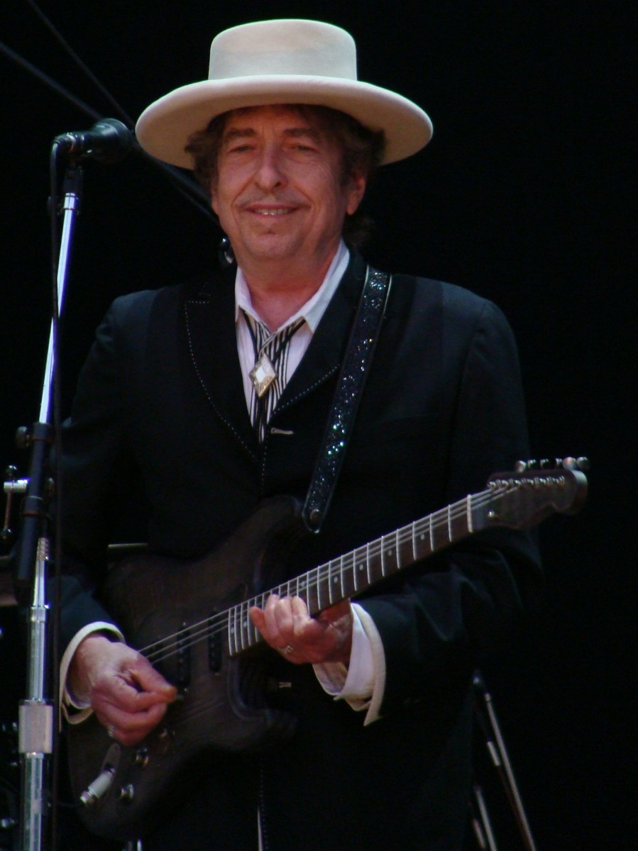 Dylan performing at the Azkema Rock Festival in Vitoria, Spain in 2010