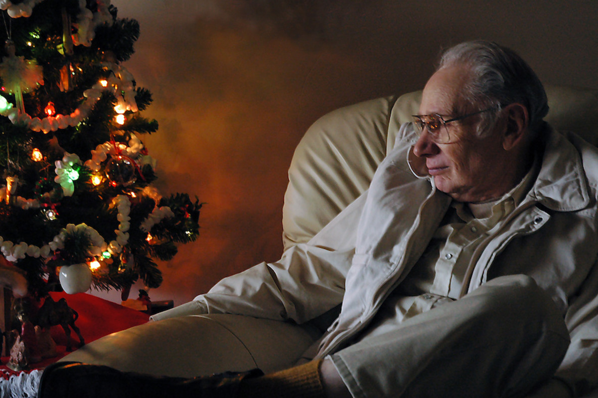 Including Mobility-Challenged Seniors in Holidays and Celebrations