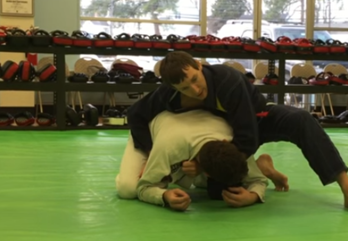 How to Do the Clock Choke in BJJ (and Defend It)