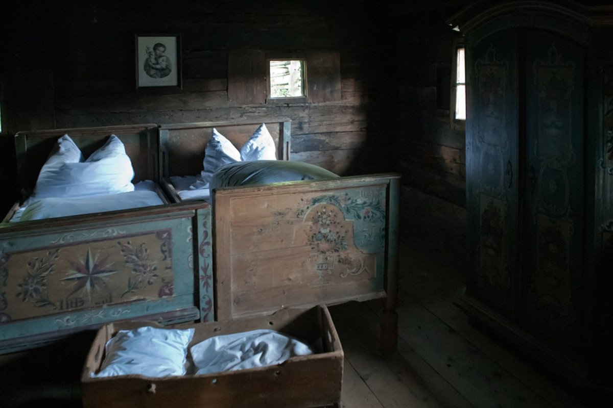 Old Farmhouse Bedroom