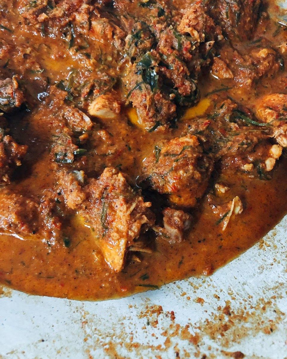 Delicious chicken rendang.