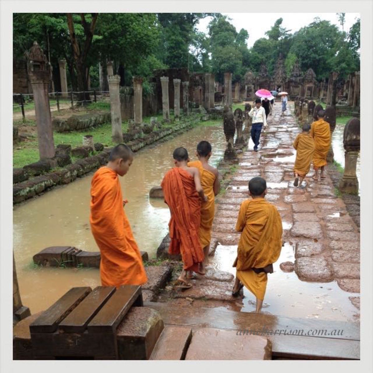 The monks of Banteay Srei