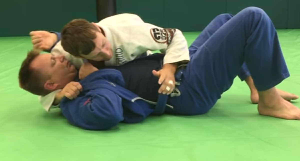 How to Set Up a Mounted Triangle Using the Lapel (a BJJ Tutorial)