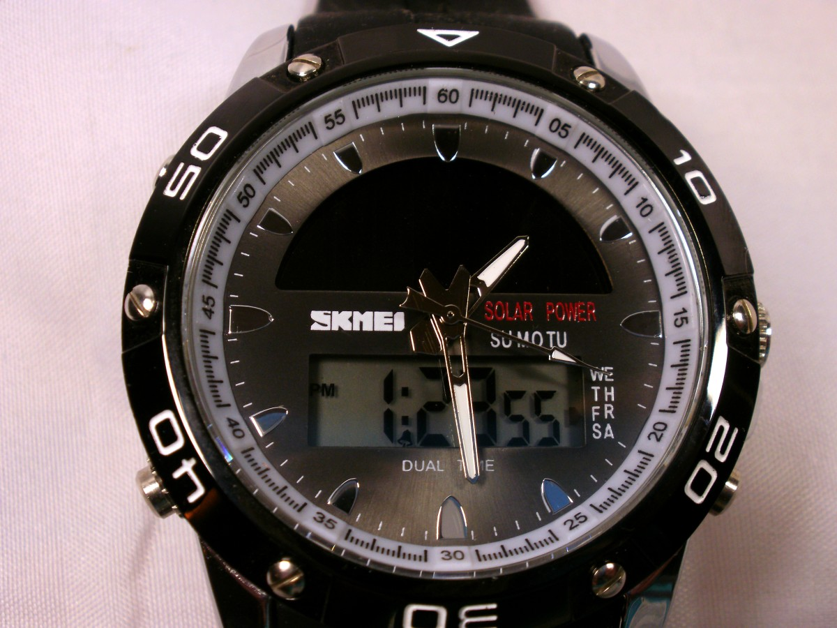 Review of the Skmei 1064 Men's Sports Watch Equipped with Dual Movement and Solar Power