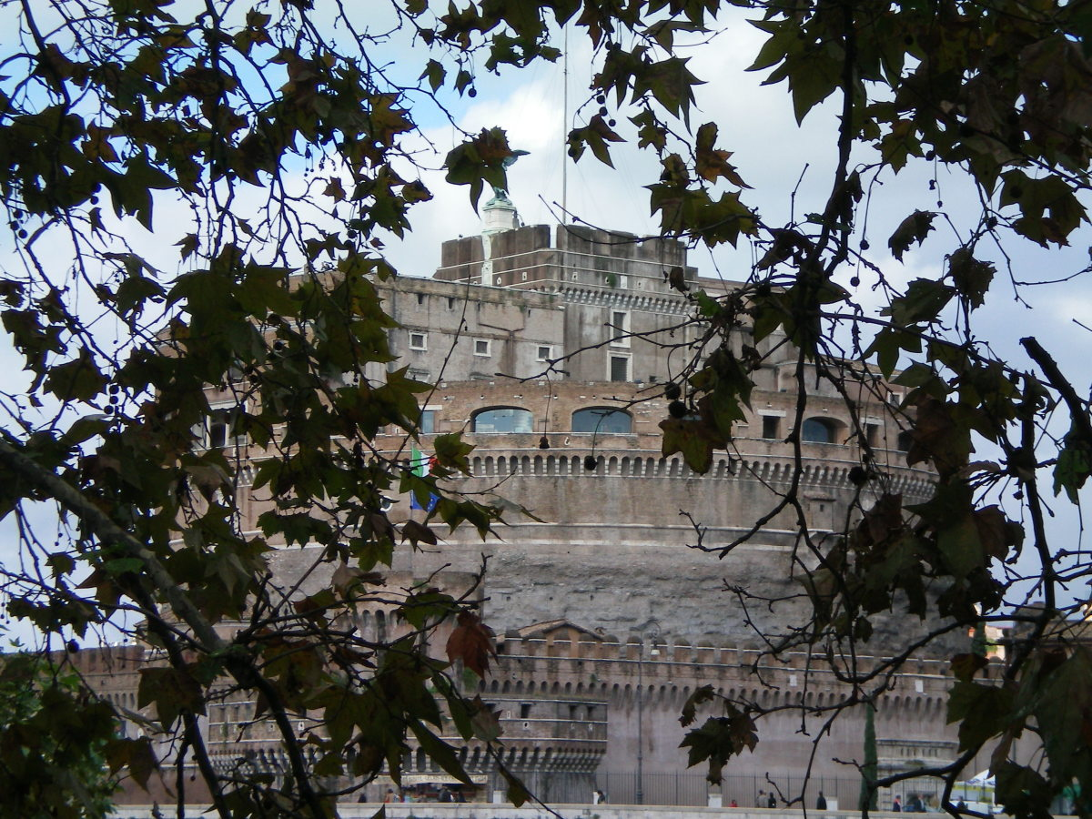 The imposing Castel Sant Angelo, Rome (c) A.Harrison