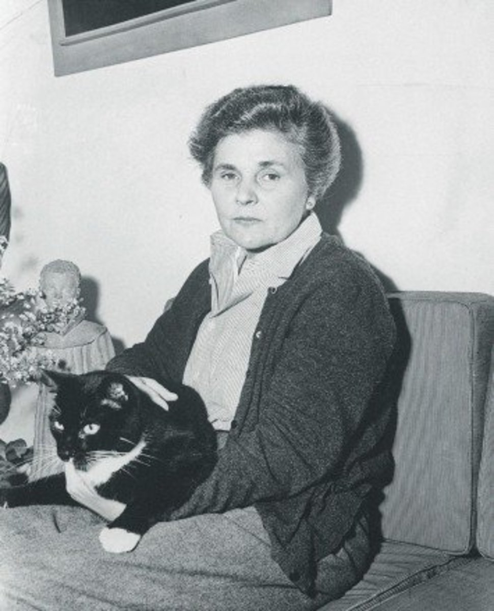 "Analysis of Poem ""One Art"" by Elizabeth Bishop"