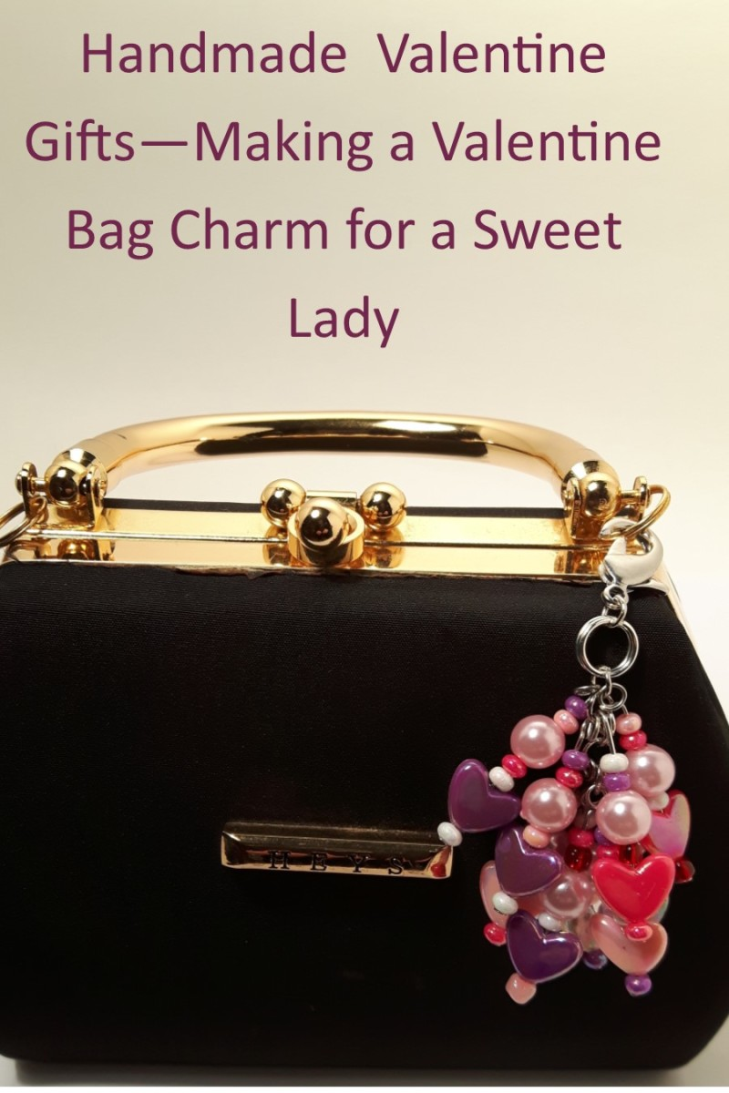 Isn't this dangly Valentine's bag charm glamorous? Better yet, it's made with love!