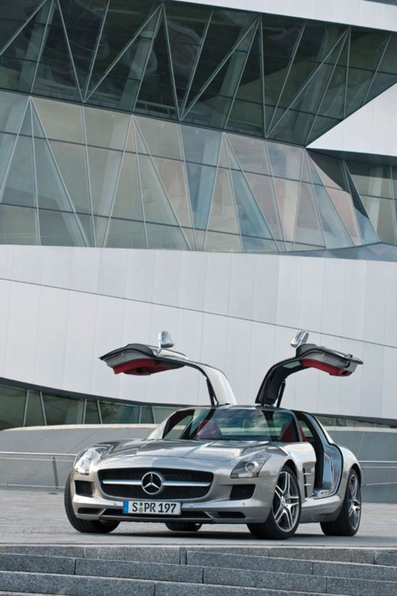 2011 Mercedes Benz SLS AMG in designo ALU-BEAM Silver, paint code 047, a $12,750 color option.