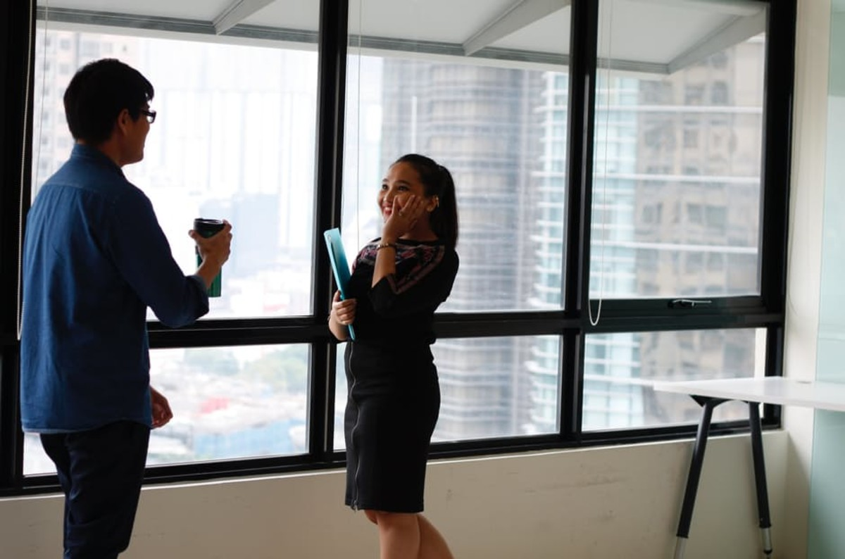Balancing an Ascending Career With a Burgeoning Romance: How to Make It Work