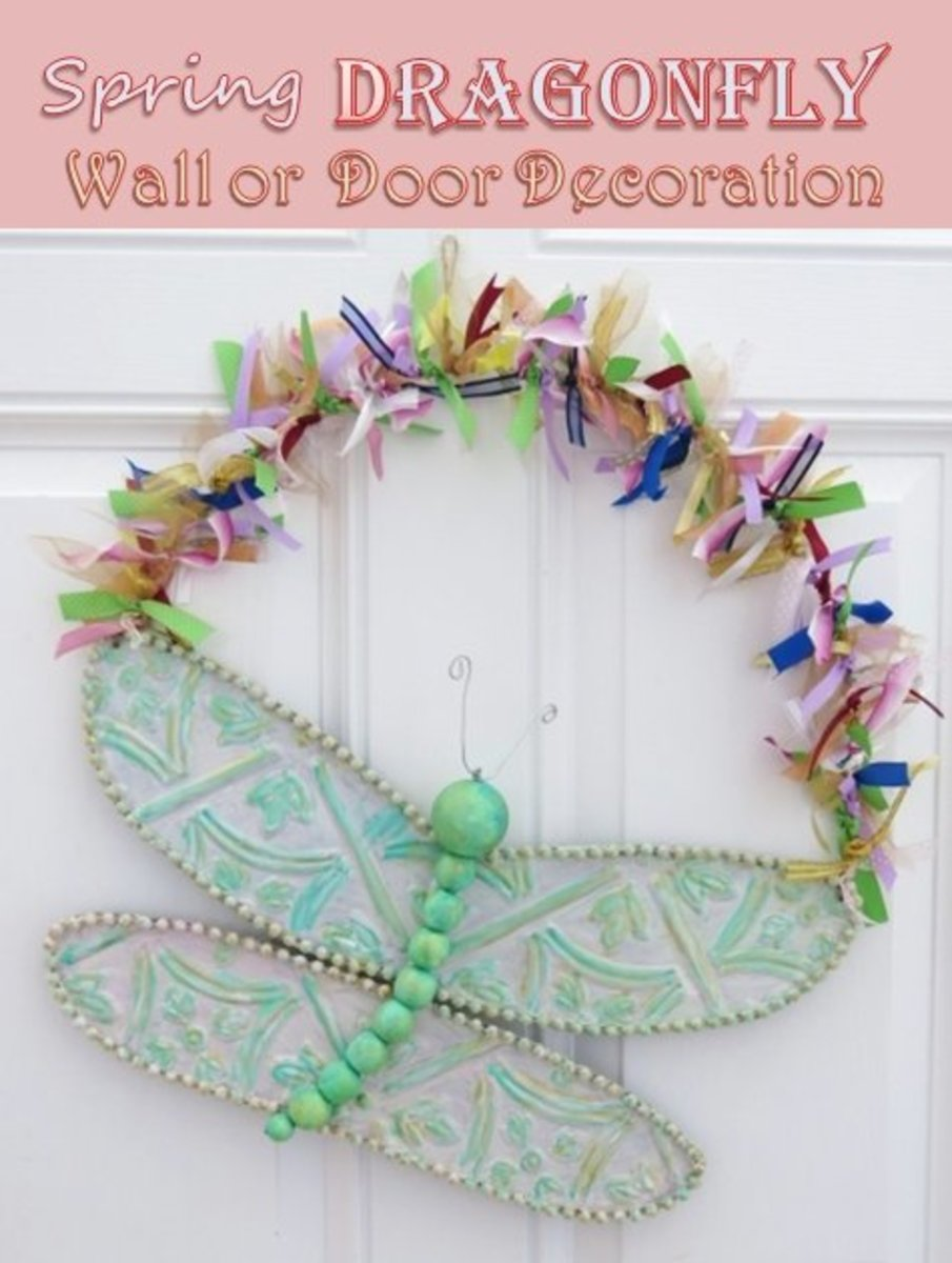 DIY Craft Tutorial:  How to Make a Spring Dragonfly Wall or Door Decoration