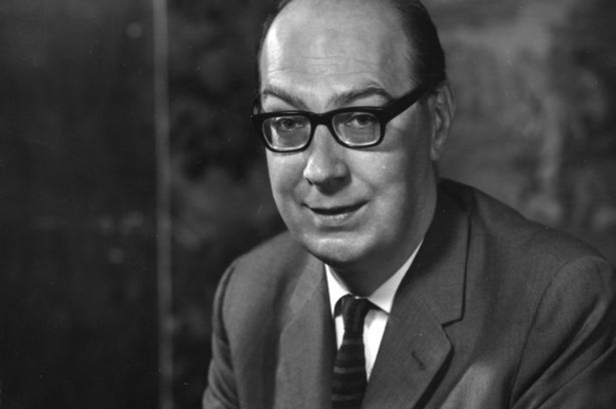 "Analysis of Poem ""Church Going"" by Philip Larkin"