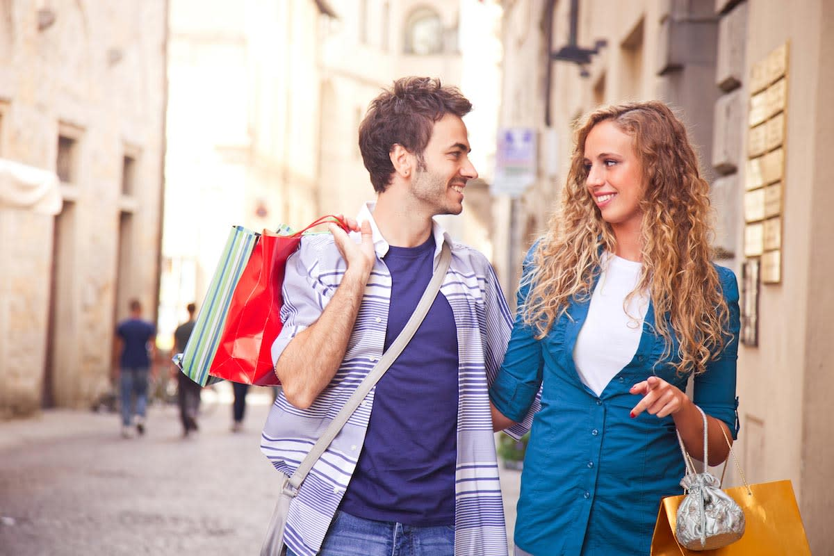 10 Secrets for a Successful Shopping Trip With Your Boyfriend