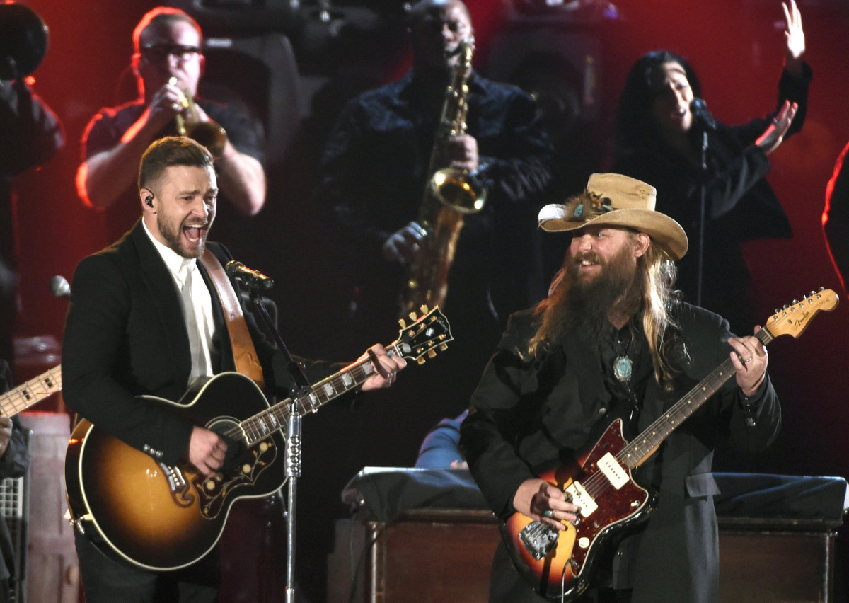 "Justin Timberlake and Chris Stapleton perform both ""Tennessee Whiskey"" and ""Drink You Away"" at the 2015 CMA awards"