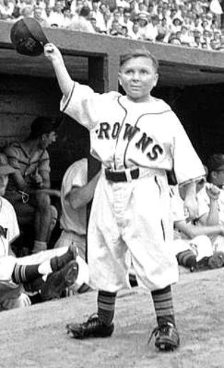 Major League Baseball's Shortest Player