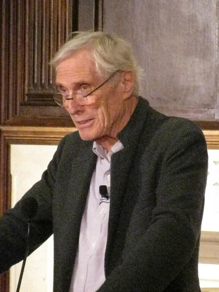 "Analysis of Poem ""Eating Poetry"" by Mark Strand"