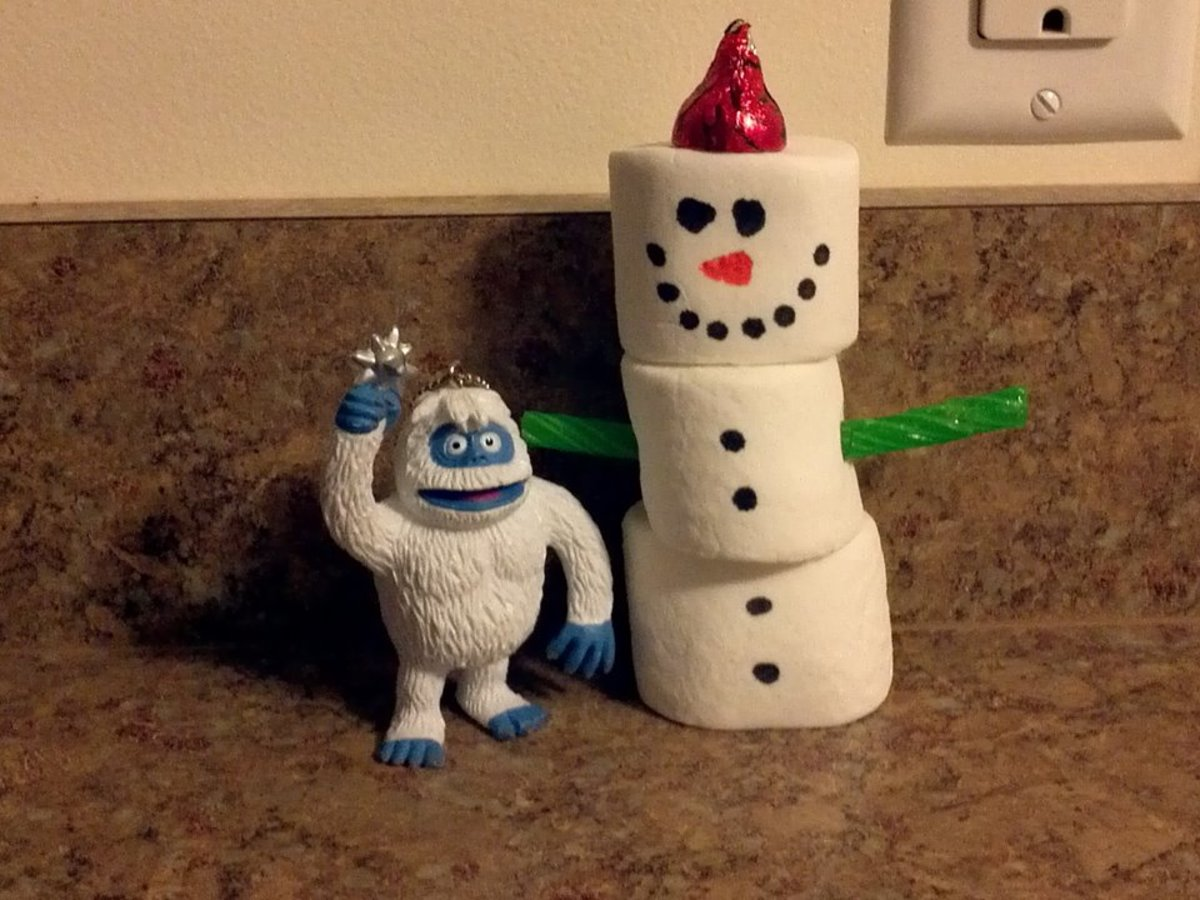 Bumble's Adventures. Bumble made a marshmallow snowman.
