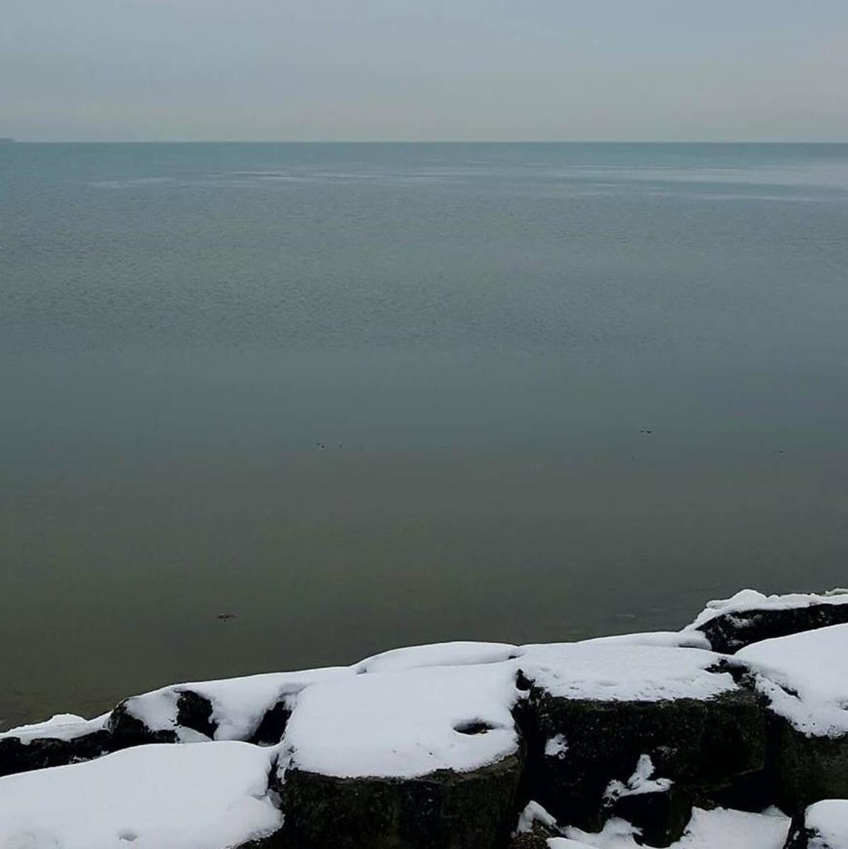 A picture of Lake Erie on the shore of East Harbor State Park in Ohio - A beautiful place to visit during the winter.