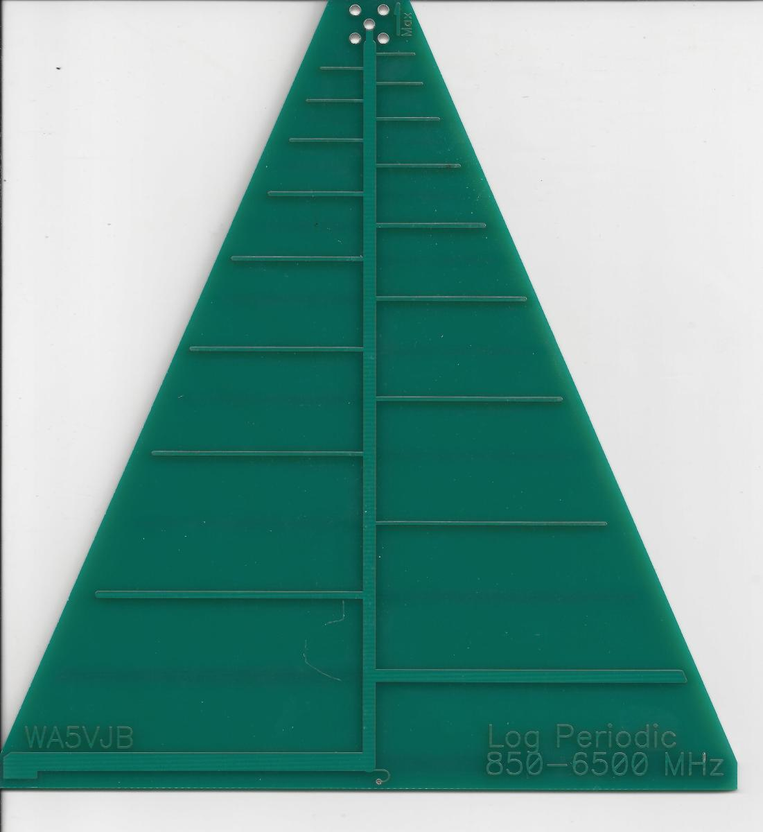 A printed circuit board log periodic antenna