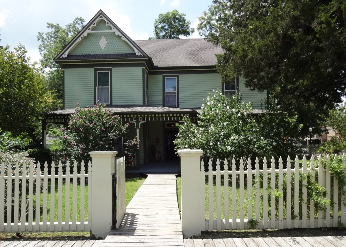 Historic Houses - Bain Honaker House in Texas