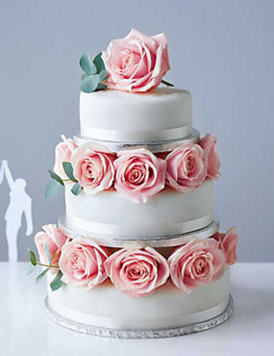 A wedding cake any bride would love to have.