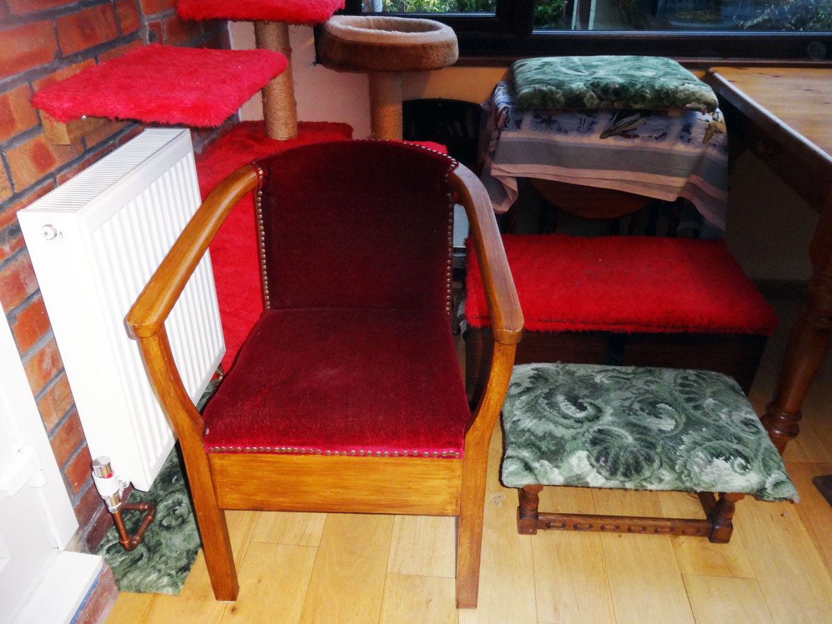 Upholstering With Different Types of Materials Made Easy